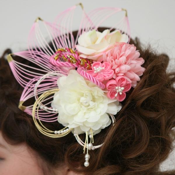 髪飾り380白椿にピンク小花