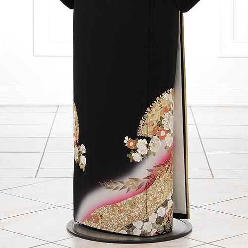 黒留袖レンタルQ3-56桂由美光彩バラ紅