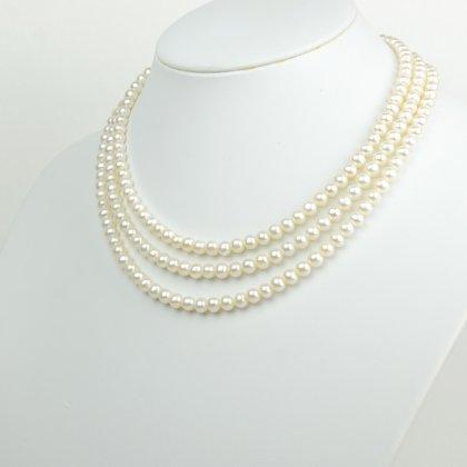 淡水真珠(5.5-6mm3連)NE 012