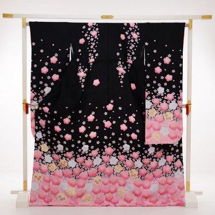 振袖241黒地裾ピンク花