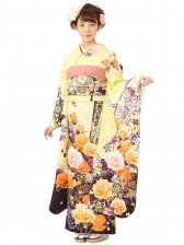 振袖1S1965/黄色地/裾茶 薔薇と箔の蝶