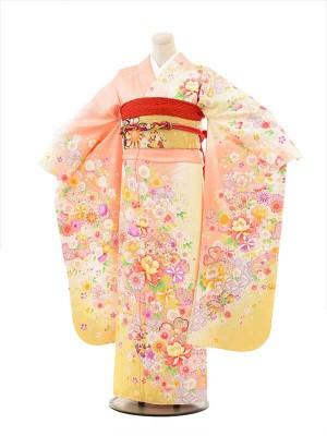 振袖Q843サーモンピンク×クリーム牡丹桜