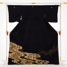 黒留袖4387縫い取り金コマ流水