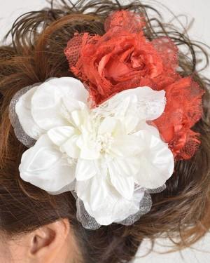 髪飾り140白赤バラ